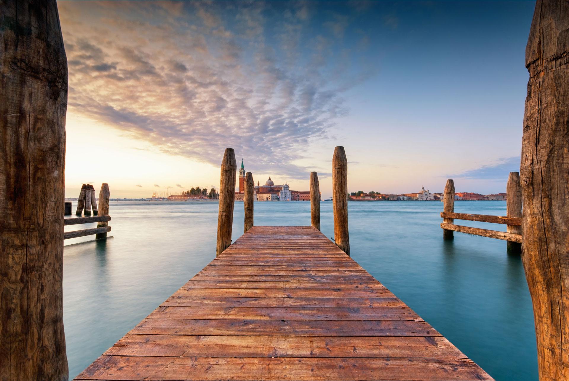 The bricola in Venice